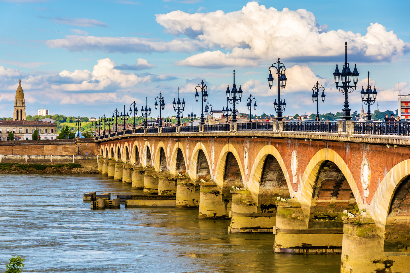 Best luxury hotels in bordeaux france the complete guide for Hotels near bordeaux france