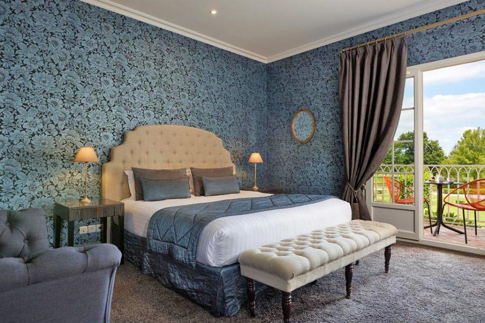 Chateau-Hotel-Grand-Barrail