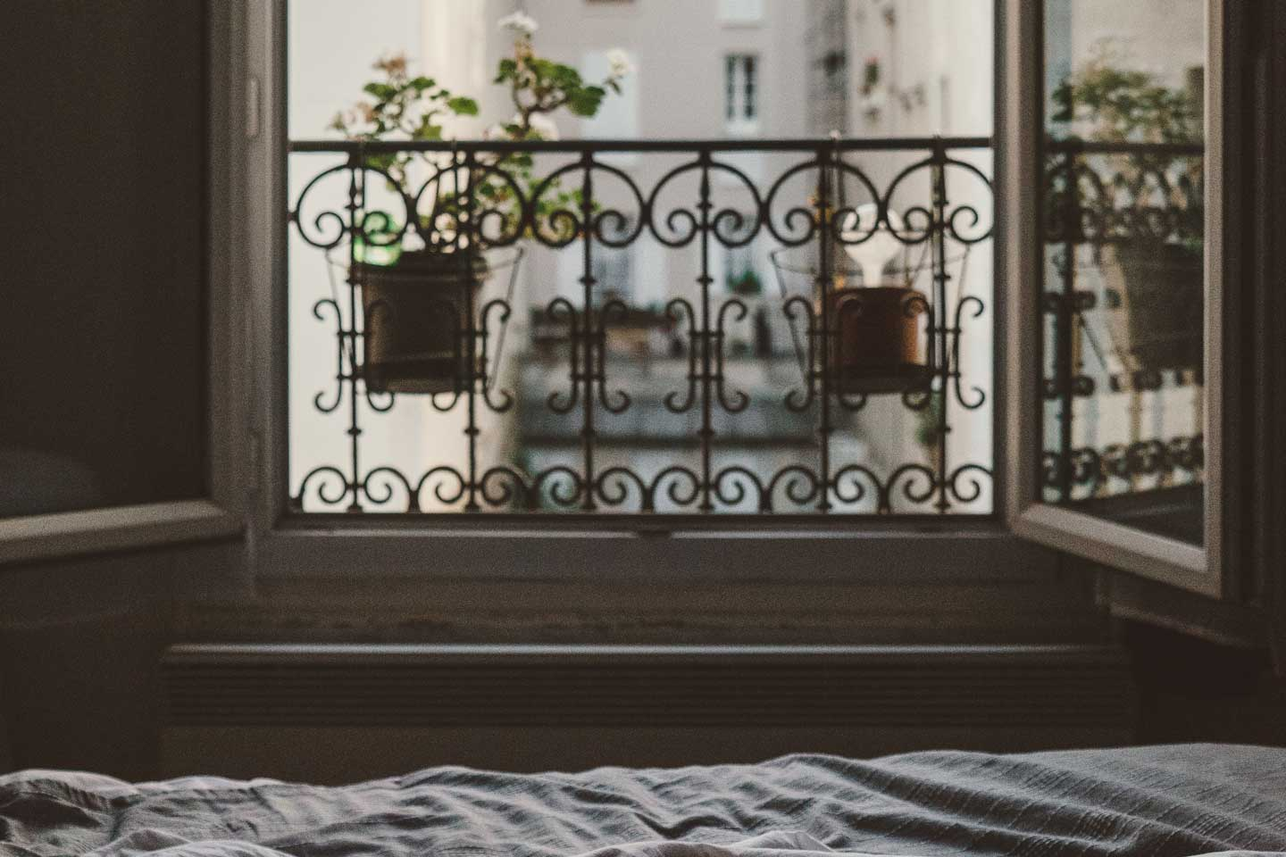 paris-bed