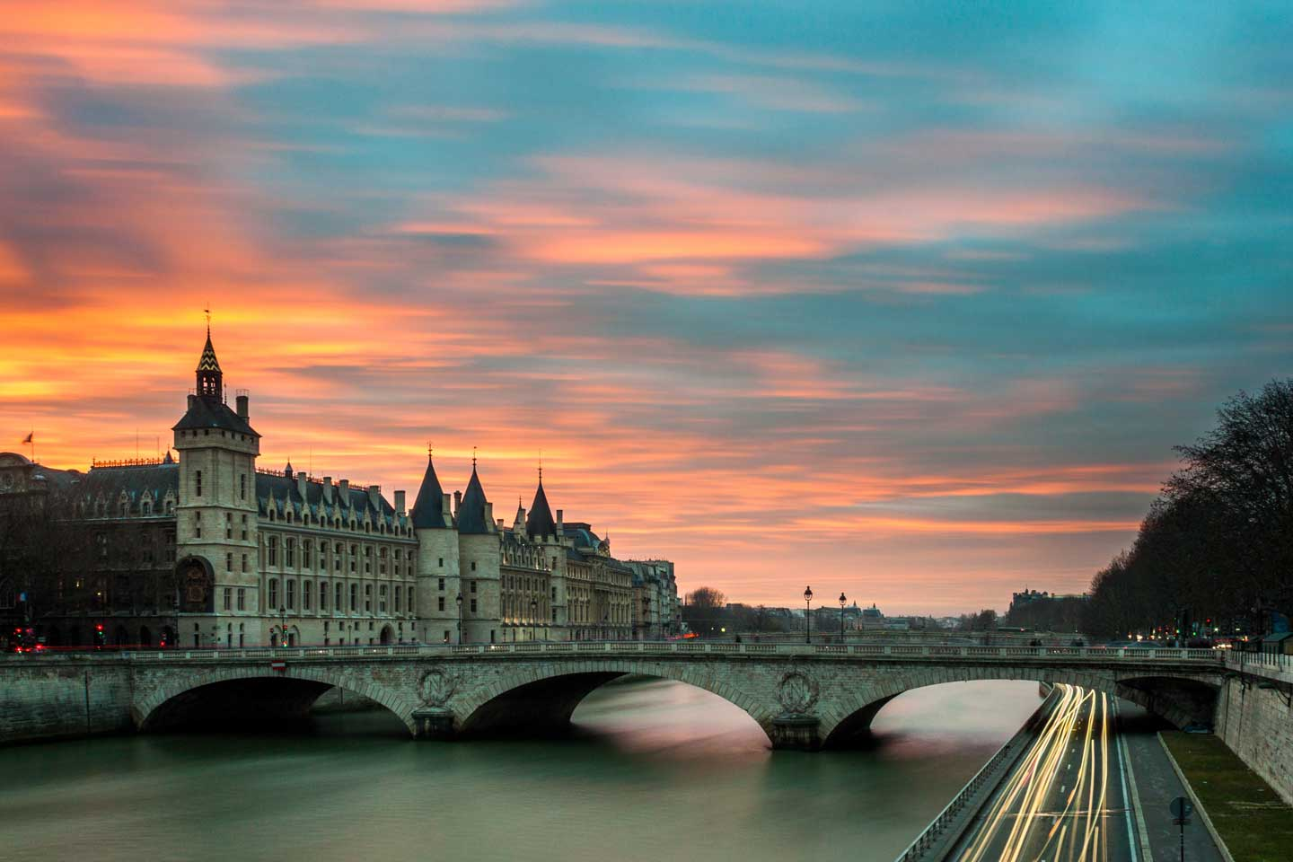 paris-bridge